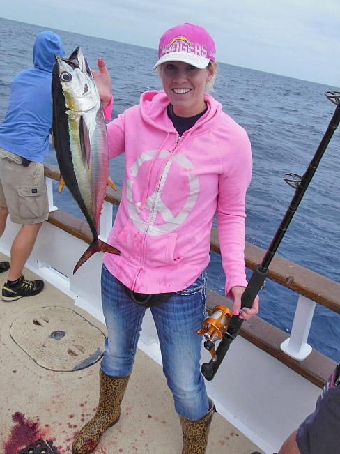 Carolyn Jordan ladies yellowfin tuna fishing