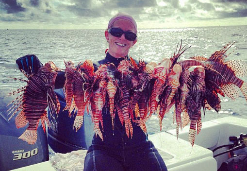Rachel Bowman spear fishing lionfish
