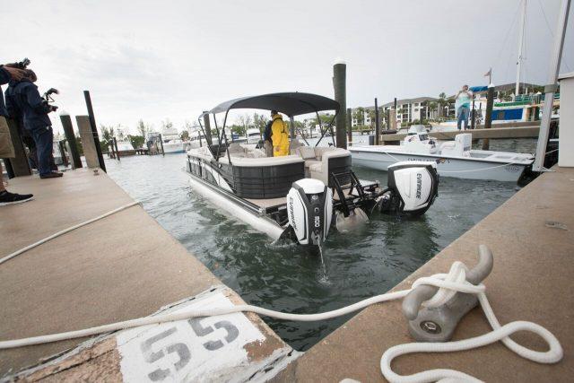 iDock steering Scout boat