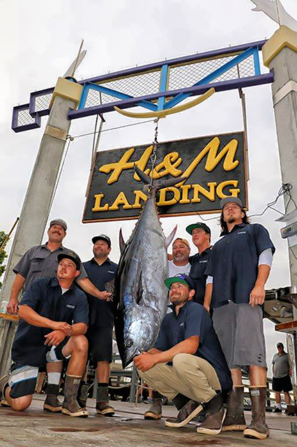 Ranger 85 crew and angler with a giant bluefin tuna