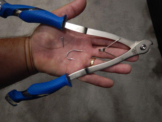 hook cutter