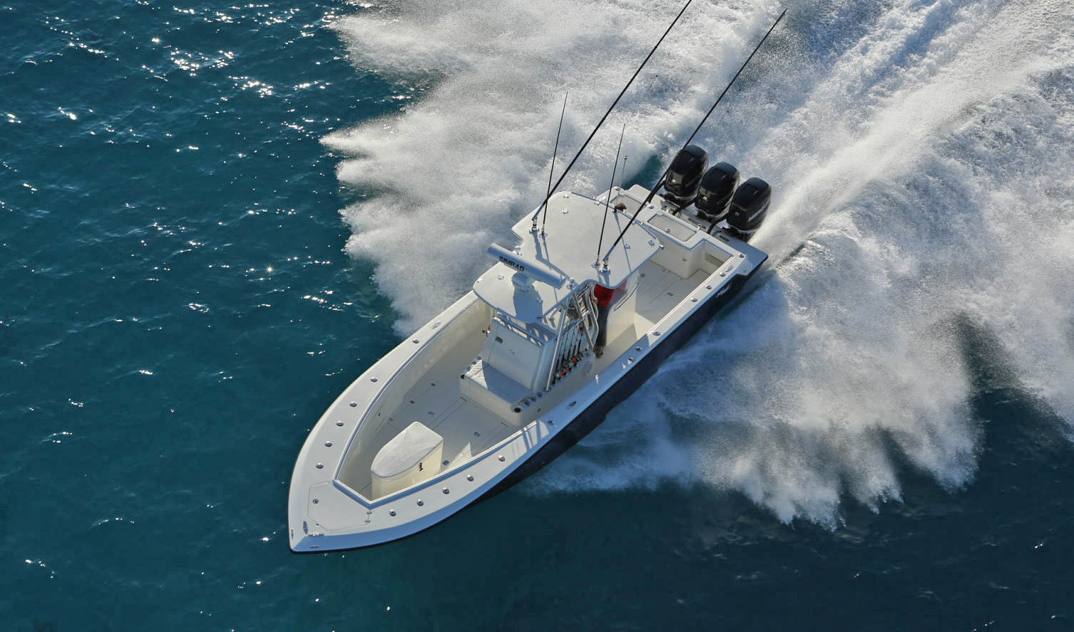Best Center Console Fishing Boats - 10 Traits to Consider - BD