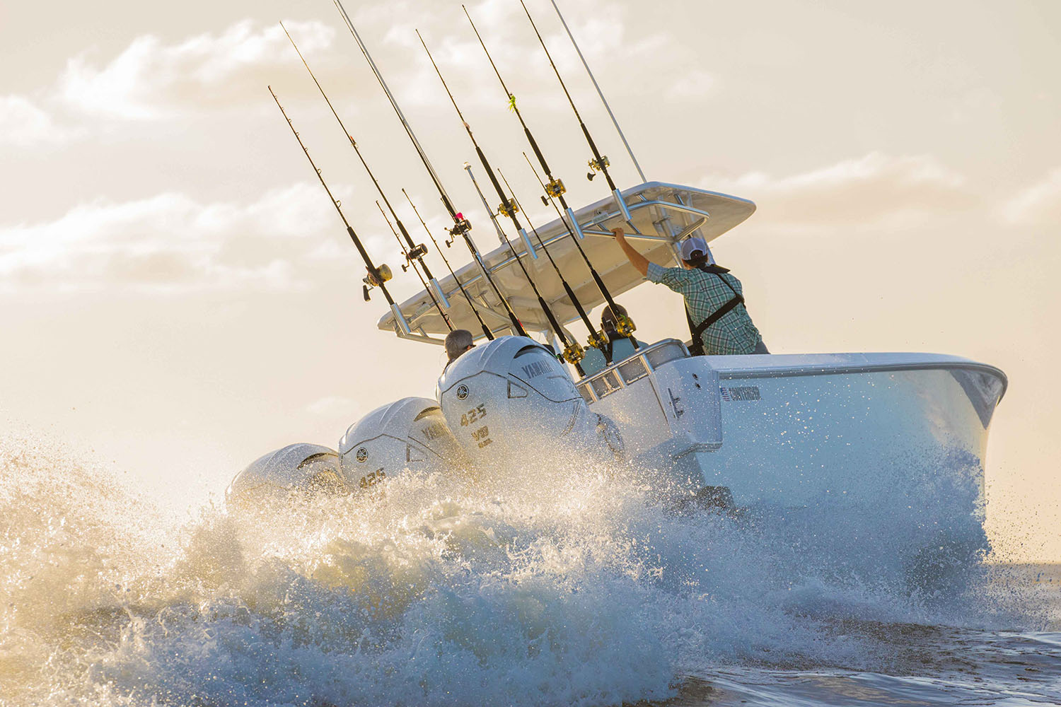 Yamaha F425 XTO Offshore Outboard Hits The Water - BDoutdoors